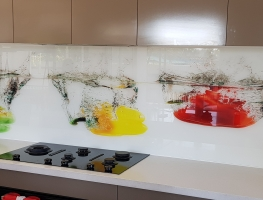 Red-Yellow-Green-Pepper-by-Graphic-Glass-Servicee