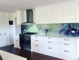 Digitally Printed Dandelion Glass Splashback by Graphic Glass Services