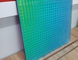 Coloured-Eva-Interlayer-Patterned-Glass-by-Graphic-Glass-Services