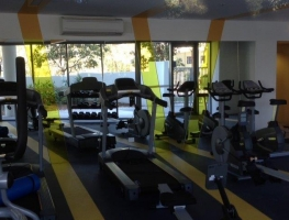 Laminated Safety Mirrors for gym application by Graphic Glass Services Qld