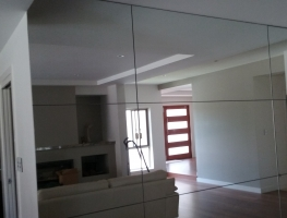 Mirrored Wall by Graphic Glass Services Qld