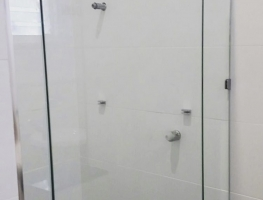 Frameless Shower Screen by Graphic Glass Services Qld