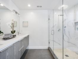 Frameless Shower Screen & Bathroom Mirror