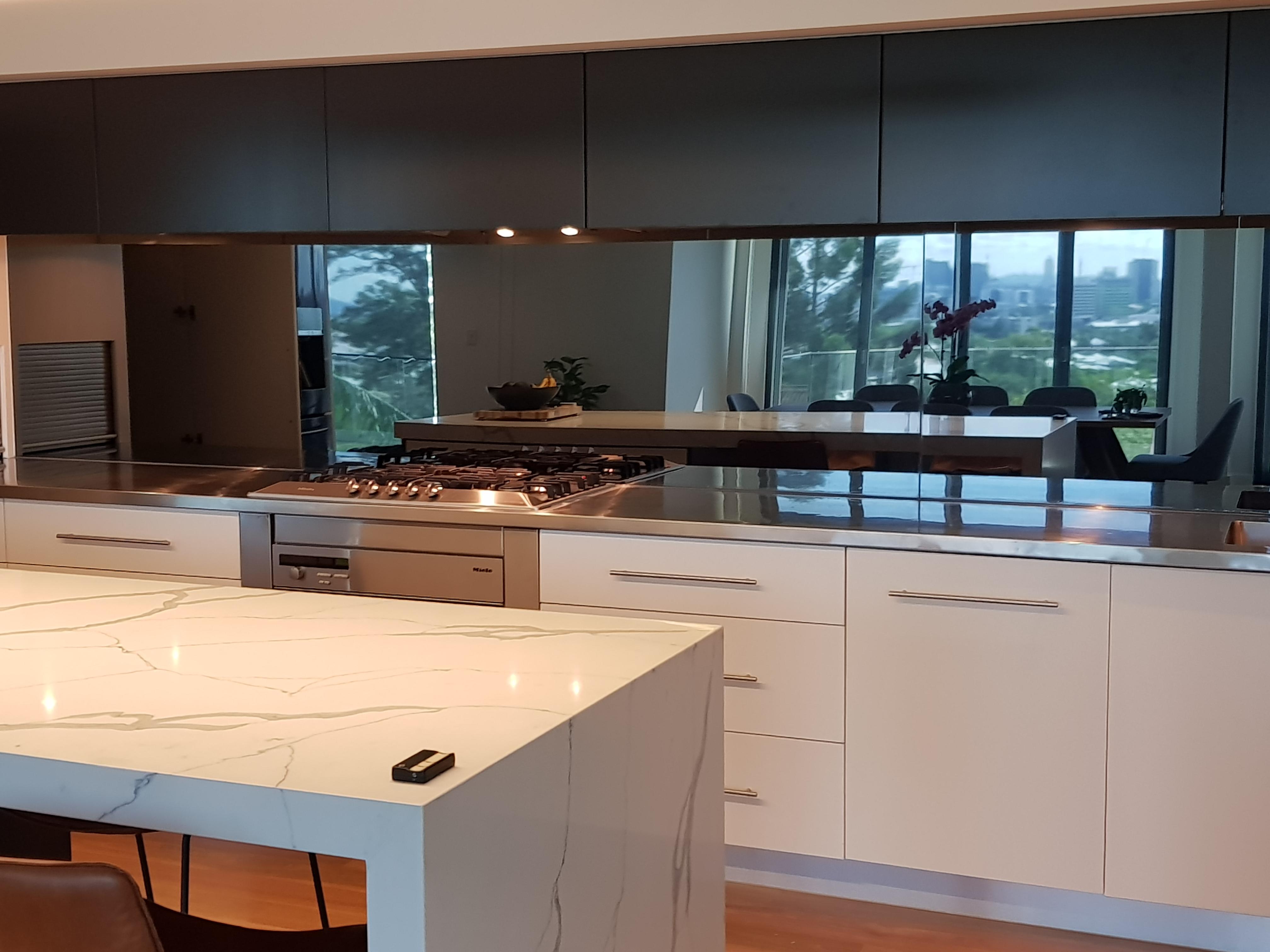 Coloured Splashbacks To Suit Your Design Style And Specifications Graphic Glass Services
