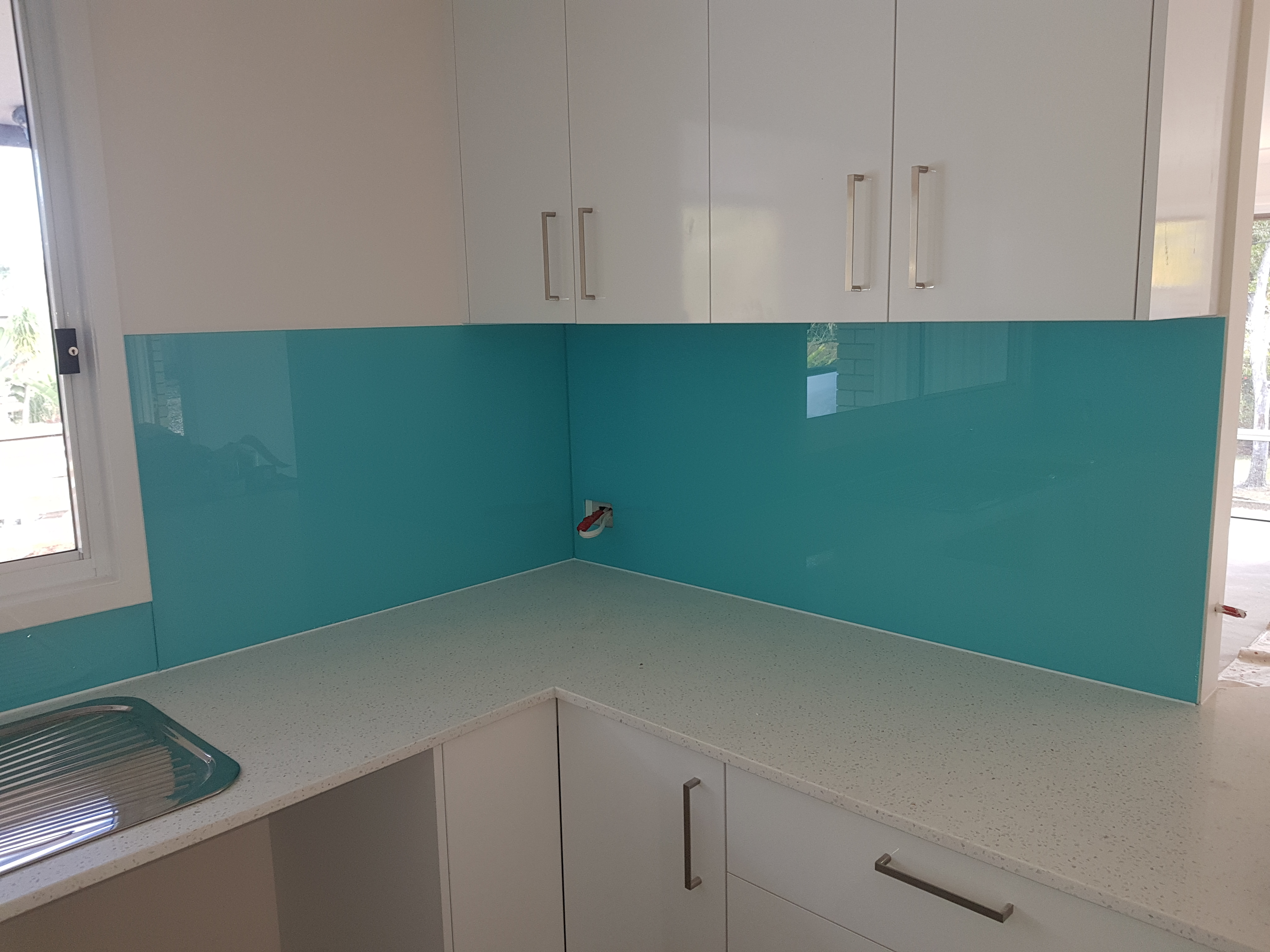 Coloured splashbacks to suit your design, style and specifications ...