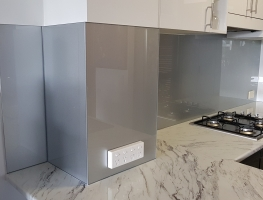 Coarse Silver Coloured Splashback by Graphic Glass Services