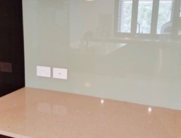 Custom Colourback Glass Kitchen Splashback by Graphic Glass Services Qld