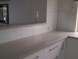 Glass Splashback by Graphic Glass Services Qld