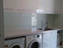 Laundry Splashback in #102 White on Float by Graphic Glass Services Qld