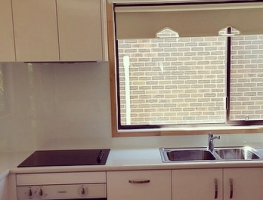 White Colourback Glass Kitchen Splashback by Graphic Glass Services Qld