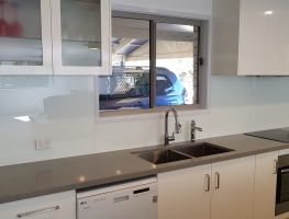 White Splashbacks by Graphic Glass Services