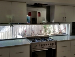 Mirrored Splashback by Graphic Glass Services Qld
