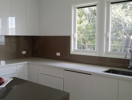 Glass Splashback in Bronze Metallic by Graphic Glass Services Qld