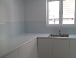 Colour Backed Glass Splashback by Graphic Glass Services Qld