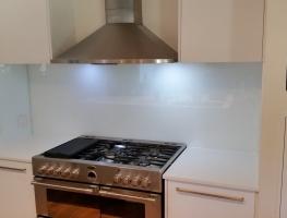 Glass Splashback creates perfect finish to new kitchen