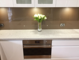 Graphic Glass Services kitchen colourback splashback in Bronze Metallic