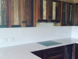 Classic White Colourback Glass Kitchen Splashback by Graphic Glass Services Qld